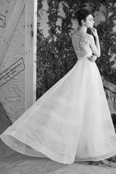 Bridal Fashion Week Spring 2017   Carolina Herrera #bridal #bride #bridalfashionweekspring2017 #noiva