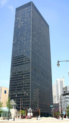 Built by Ludwig Mies van der Rohe in Chicago, United States with date Images by Bluffton University. Completed four years after architect Mies van der Rohe's passing, the IBM Building became one of the cities most pres. Ludwig Mies Van Der Rohe, Arne Jacobsen, Hotel Copenhagen, Copenhagen Denmark, Bauhaus, Seagram Building, Architecture 101, Beautiful Architecture, Chicago Buildings