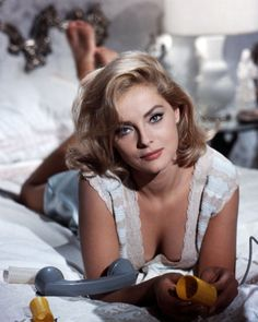 hollywood stars The Perfect Italian Beauty: 56 Georgous Photos of Young Virna Lisi From the and ~ vintage everyday Old Hollywood Stars, Old Hollywood Glamour, Classic Hollywood, Beautiful Celebrities, Beautiful Actresses, Beautiful Women, Classic Actresses, Hollywood Actresses, Italian Actress
