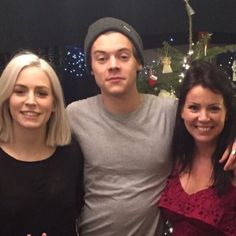Since One Direction embarked on their break earlier this year, singer Harry Styles has hardly touched his social media accounts… READ: Harry Styles, Louis Tomlinson out PARTYING! Harry Styles Imagines, Harry Styles Fotos, Harry Styles Pictures, Harry Styles Family, Harry Styles Updates, Gemma Styles, Bae, Camila Morrone, New Twitter