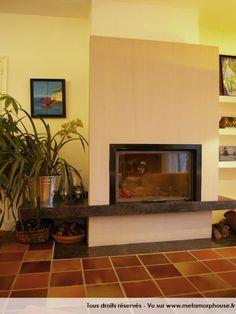 chemin e traditionnelle et rustique foyer ouvert pour. Black Bedroom Furniture Sets. Home Design Ideas