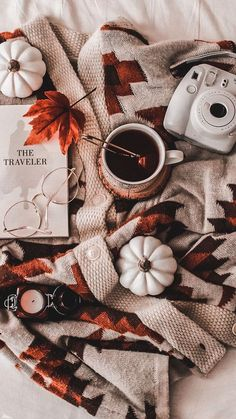 By Junebren Amazing autumnal scenery! By Junebren Amazing autumnal scenery! Cozy Aesthetic, Autumn Aesthetic, Aesthetic Vintage, Fall Wallpaper, Christmas Wallpaper, Halloween Wallpaper, Halloween Backgrounds, Wallpaper Backgrounds, Aesthetic Iphone Wallpaper