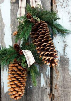 Елочные новогодние украшения из шишек
