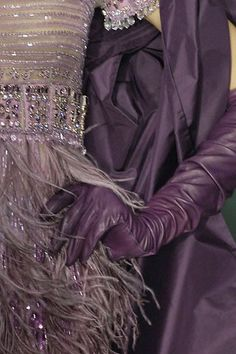 #fashion details | Keep the Glamour |  Gloves #gloves #fashion #nice  www.2dayslook.com