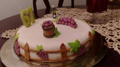 Cake with grapes