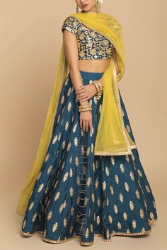 Collective for affordable lehengas Designer Bridal Lehenga, Bridal Lehenga Choli, Indian Lehenga, Saree, Indian Wedding Outfits, Indian Outfits, Indian Gowns Dresses, Lehnga Dress, Indian Attire