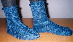 Ulla 01/05 - Neuleohjeet - Nukkumaijan unisukat Socks, Fashion, Stockings, Moda, Fashion Styles, Sock, Fashion Illustrations, Boot Socks, Hosiery