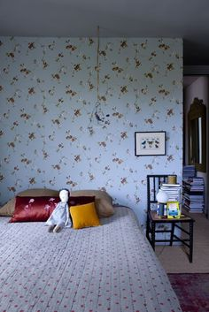 love the wallpaper and dolly!