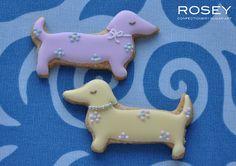 Dachshund cookies from Rosey Sugar Art Confectionery Fancy Cookies, Iced Cookies, Cute Cookies, Cupcake Cookies, Sugar Cookies, Cupcakes, Dog Treat Recipes, Healthy Dog Treats, Dog Food Recipes
