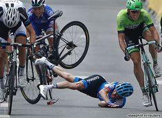 2014 tour-de-france photos stage-07 - Despite the high speed crash, Andrew Talansky (Garmin-Sharp) was not seriously injured