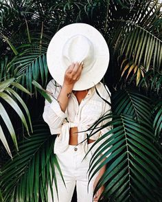 All white outfit. Summer style All white outfit. White Summer Outfits, All White Outfit, Outfit Summer, Spring Outfits, Outfit Beach, Beach Outfits, Summer Dresses, Portrait Photography, Travel Photography