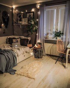 Room Design Bedroom, Room Ideas Bedroom, Home Decor Bedroom, Rustic Teen Bedroom, Tumblr Bedroom Decor, Warm Bedroom, Bedroom Bed, Diy Room Decor, Kids Bedroom