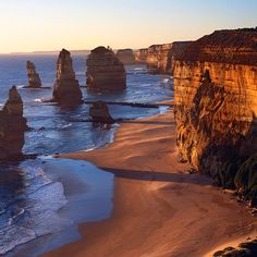 Twelve Apostles @ Australia...a beautiful sight to see.