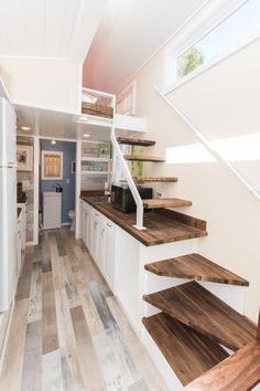Modern tiny house plans Right-sizing a house is similar. If you get a tiny home, you can allow it to be cozy utilizing the available space. Tiny House Stairs, Tiny House Bedroom, Tiny House Loft, Modern Tiny House, Tiny House Living, Tiny House Plans, Tiny House Design, Loft Stairs, Tiny Loft