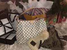 Such a gorgeous bag! Everyone's Christmas dream Christmas Gift For You, Special Person, My Bags, Louis Vuitton Damier, Womens Fashion, Pattern, Closet, Style, Swag