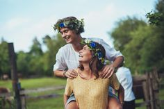 Midsummer is, apart from Christmas, one of the most important holidays in the Swedish calendar. Celebrate with smorgasbord, schnapps and singing.