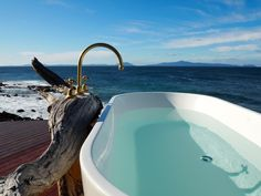 The World's Most Scenic Bathtub: Checking in to Thalia Haven on Tasmania's East Coast | WORLD OF WANDERLUST