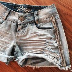 Já sabemos que os shorts são paixões de VERÃO, por isso preparamos um mix incrível da peça!  #RazzoJeans #Denim #LoveJeans