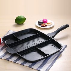Fryer Pan Non-Stick 5 in 1 Fry Pan Divided Grill Fry Oven Meal Skillet Black Kitchen cooking utensils Must Have Kitchen Gadgets, Kitchen Hacks, Kitchen Tools, Kitchen Appliances, Cooking Utensils, Cooking Tools, Best Pans, Kitchen Design Open, Black Kitchens