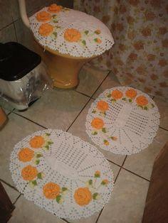 jogo de banheiro em crochê 3 peças https://www.facebook.com/pages/Criscrochems/350892968447150?ref=bookmarks