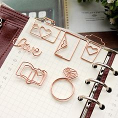 Rose Gold Papier Clips Kaffee Papier Clip Umschlag Papier Clip Liebe Papier Clip Kamera Papier Clip Herz Papier Clip Diamant Ring – Home Office Design Diy Agenda Filofax, Rose Gold Paper, Cool School Supplies, College Supplies, Art Supplies, Cute Stationary, Trombone, Paper Hearts, Gadgets And Gizmos