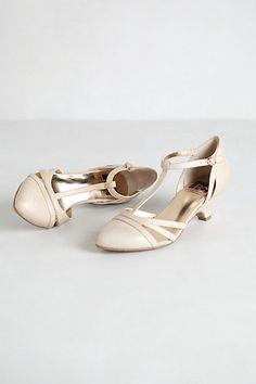 Vintage Shoes: Antique Lace, Pearls, Kitten Heels, Ivory Swarovski Crystal  !! | I Do. U003c3 | Pinterest | Antique Lace, Vintage Shoes And Kitten Heels