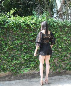 Blog Caca Dorceles. 2016. Meu Look: Macaquinho de Renda. Helô Rocha lace playsuit + Luiza Barcelos shoes.