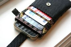 iPhone wallet Review/Giveaway | Skinny | Skinny Mom | How to get skinny fast | Get Skinny | Skinny tips by modern fit and Skinny moms