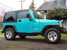 Tiffany Blue Jeep Wrangler - it's perfect! I would drive this everywhere #girlswithjeeps