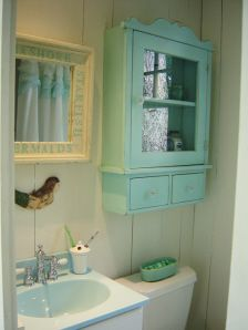 Cabot Cove Summer Cottage - Shabby-chic Style - Bathroom - Tampa - by Tracey Rapisardi Design Bad Inspiration, Bathroom Inspiration, Beach Bathrooms, Small Bathroom, Gold Bathroom, Mermaid Bathroom, Bathroom Renos, Bathroom Ideas, Bathroom Colors