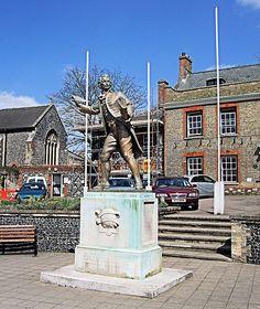The Thomas Paine Statue, Thetford - Norfolk. Suffolk England, England Uk, Continental Army, Norwich Norfolk, Great Yarmouth, Thomas Paine, British American, American Revolution, Brighton