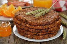 Ingredience: mouka pohanková 300 gramů (+na vál), zelí 300 gramů, mléko (pokojové teploty), sůl, kmín, sádlo (dle potřeby). Steak, Cookies, Desserts, Food, Crack Crackers, Tailgate Desserts, Deserts, Biscuits, Essen