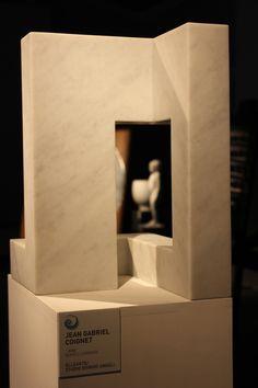 Le mani Eccellenze in Versilia Evocazioni - Arte e Design nel marmo. L'opera è dell'artista Jean Gabriel CoignetTutte le info sulla mostra al link www.musapietrasanta.it/content.php?menu=eventi&nid=71