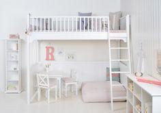 Kinder Hochbett   Hochbett Gibt Viel Platz. Sie Ermöglichen Eine  Effizientere Nutzung Des Verfügbaren Raums