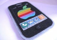 Mobile  iPod 3G Iphone felt case by latelierdeluluu on Etsy, $43.50