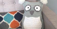 Owl Throw Pillow/Plushie Free Crochet Pattern • Spin a Yarn Crochet, #haken, gratis patroon (Engels), kussen, uil, #haakpatroon