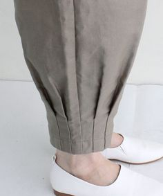 Best 12 cool ankle detail – Paris Pant by Blanque – SkillOfKing. Kurti Sleeves Design, Sleeves Designs For Dresses, Kurta Neck Design, Kurti Designs Party Wear, Salwar Designs, Blouse Designs, Pakistani Fashion Casual, Pakistani Dress Design, Stylish Dresses For Girls