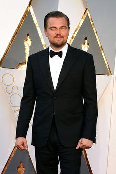Pin for Later: Leonardo DiCaprio Prend un Selfie, et Twitter S'affole