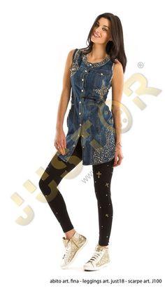 LEGGINGS ART. JUST18 - http://www.just-r.it/shop/en/pantaloni/534-leggings-art-just18.html  SCARPA ART. J100 - http://www.just-r.it/shop/en/scarpe/362-scarpa-art-j100.html
