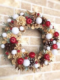 I think this is beautiful! My next Christmas wreath Wreath Crafts, Ornament Wreath, Pine Cone Art, Christmas Wreaths, Christmas Crafts, Fall Decor, Holiday Decor, Xmas Decorations, Floral Arrangements