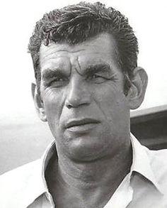 Michel Constantin, de son vrai nom Constantin Hokhloff, est un acteur français de cinéma, né le 13 juillet 1924 à Billancourt (France) d'une mère polonaise et d'un père russe, et mort d'une crise cardiaque le 29 août 2003 à Draguignan (France).