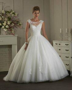 Amazing tulle lace wedding dress