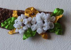 Novo modelo de Flores em Tecido e Fitas de Cetim