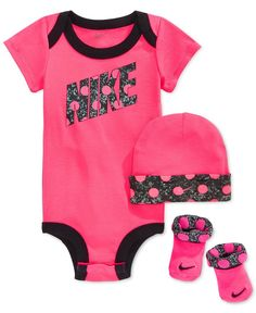 Nike Baby Girls' 3-Piece Dot Bodysuit, Hat & Booties Set