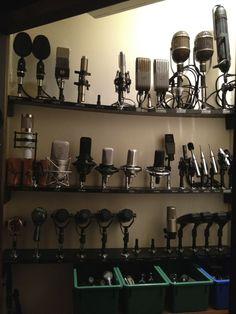 Mic Locker Confira aqui http://mundodemusicas.com/lojas-instrumentos/ as melhores lojas online de Instrumentos Musicais.