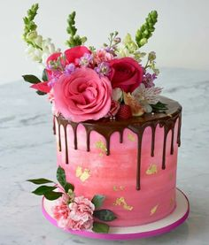 Happy birthday cake photo for your mom dad sister & friends Hot Pink Cakes, Fancy Cakes, Happy Birthday Cake Photo, Happy Birthday Cakes, Beautiful Cakes, Amazing Cakes, Bolo Floral, Fresh Flower Cake, Just Cakes