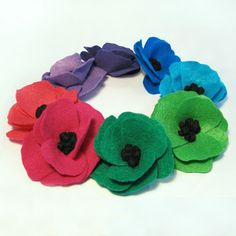 Felt Poppy Flower Tutorial: Guest Post from Carolyn of The Wishing Elephant | Handmade Spark