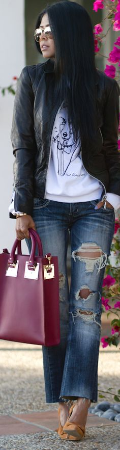 Like the jeans/cuttoff(Sophie Hulme) Street Chic, Street Style, Style And Grace, Look Chic, Sensual, Jeans Style, Her Style, Casual Looks, Passion For Fashion
