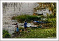 Atrapados por la imagen: ¡ Allá pica !!  Estupenda imagen! Se puede apreciar el suave movimiento que se produce en el agua, colores y un ambiente muy agradable! Gracias!!!!!