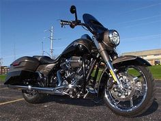 2014 Harley-Davidson CVO ROAD KING SCREAMIN EAGLE FLHRSE CVO ROAD KING